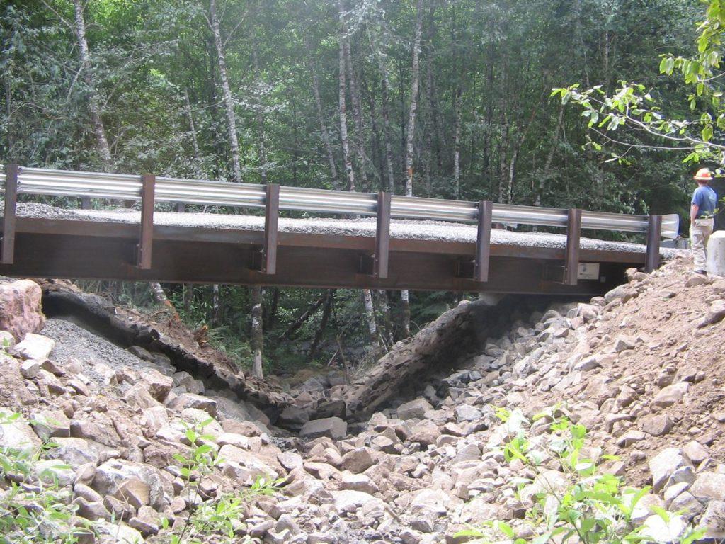 Bridge providing unimpeded fish passage